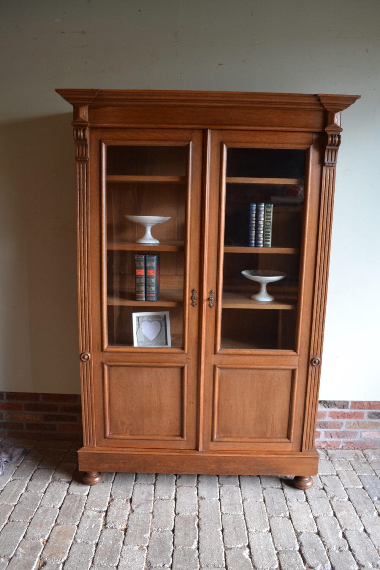 Antieke eiken boekenkast, antieke eiken vitrinekast