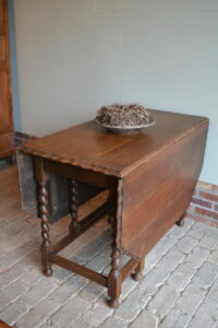 antieke sidetabe, antiek hangoortafel, antieke gateleg, antieke sidetable