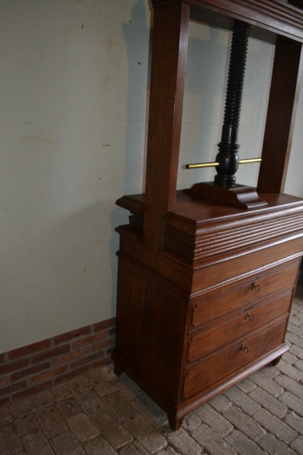 antiek dressoir, antieke commode, antieke ladekast