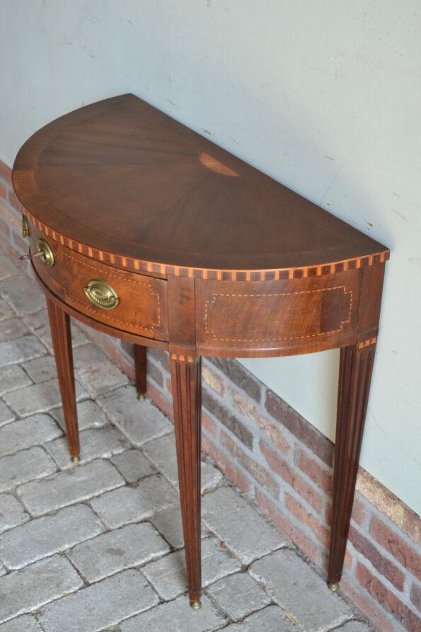 antieke halvemaan tafel, antieke sidetable, antieke wandtafel, antieke bijzettafel