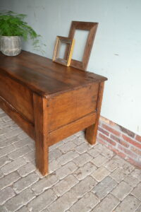 antieke dekenkist, antiek dressoir, antieke tv kast, antieke sidetable