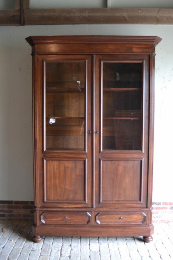 antieke boekenkast, antieke vitrinekast, antieke winkelkast, antieke servieskast, antieke bibliotheekkast
