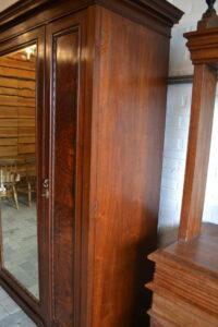 antieke spiegelkast, antieke kledingkast, antieke linnenkast, antieke garderobekast.