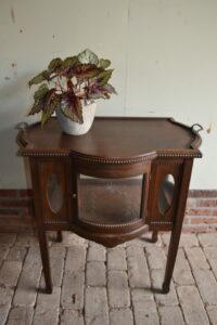 antiek theekastje, antiek dressoir, antieke bijzettafel